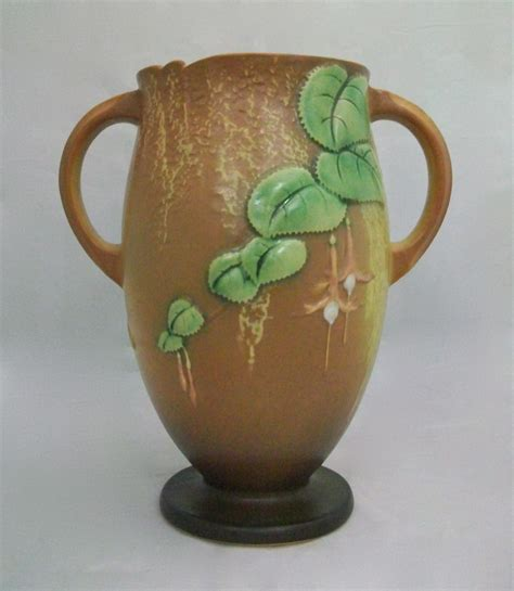 Roseville Vase Value by Roseville Fuchsia Vase 901 10 For Sale Antiques Classifieds