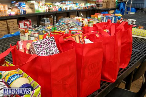 Salvation Army Christmas Giveaway - photos video salvation army her giveaway bernews bernews