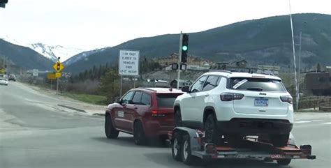 2017 jeep grand towing 2018 jeep grand trackhawk spotted towing a
