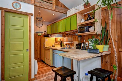 Tiny House Plan une chaleureuse mini maison enti 232 rement r 233 nov 233 e 224 val