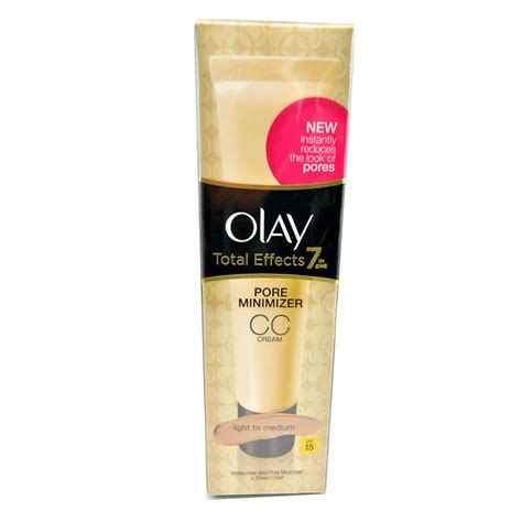 Olay Total Effects 7 In One Pore Minimizing Toner crema pentru atenuarea porilor olay total effects 7 in 1 pore minimizer cc spf15 light