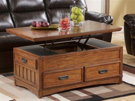 table basse salon bois la table basse relevable pour votre salon fonctionnel archzine fr