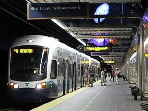 5 trains within 15 minutes seattle link light rail