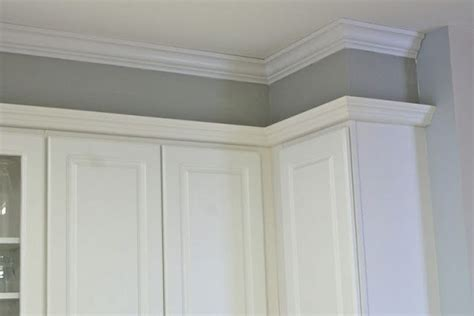 kitchen crown molding ideas best 25 crown molding kitchen ideas on pinterest