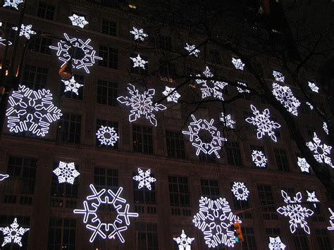 Snowflake Light Show by Indoor Outdoor Snowflake Lights Pictures All About House