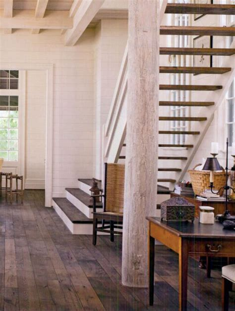 Modern take on farmhouse staircase {Bill Ingram
