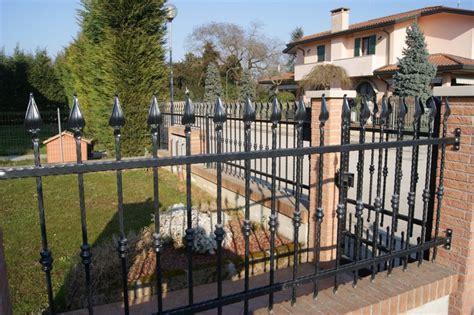 recinzioni in ferro battuto per giardini recinzioni modulari in ferro battuto o in lamiera