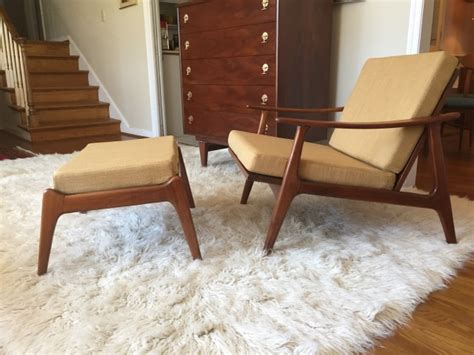 Mid Century Lounge Chairs by Mid Century Modern Swooped Arm Walnut Lounge Chair