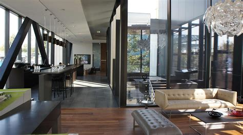 Level Office by Brigitte Weber Architects