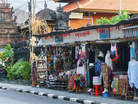 Minyak Goreng Cap Tawon liburan ke pantai losari makassar mir juga ke