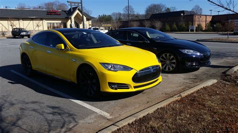 It S Yellow tesla hacker changes color of the model s to match wrap