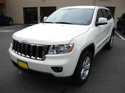 chrysler jeep white stone white 2011 jeep grand cherokee laredo paint cross