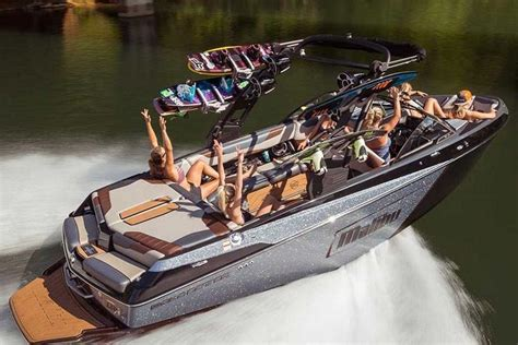 malibu boats 2019 2018 malibu wakesetter 23 lsv power boats inboard round