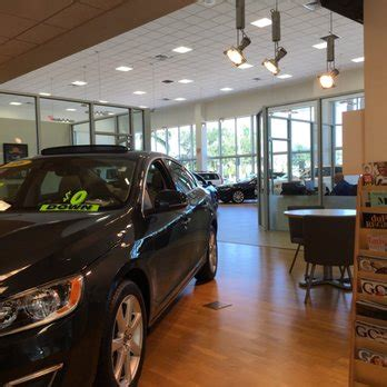 volvo cars  fort myers    reviews car dealers  colonial blvd fort myers