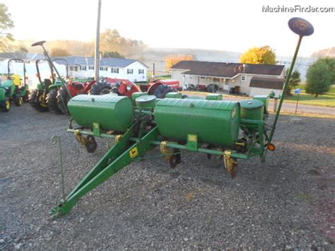 Four Row Planter by Deere 1250 4 Row Corn Planter