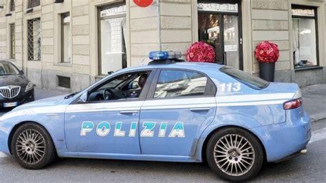 questura modena permesso di soggiorno modena mazzette per i permessi di soggiorno poliziotto