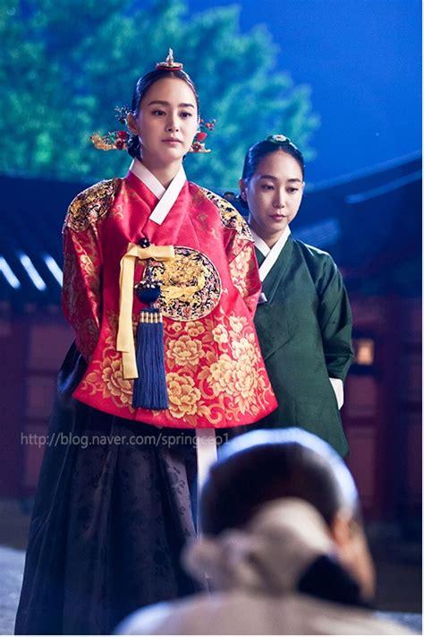 Baju Hanbok Jang Ok Jung ng蘯ッm v蘯サ 苟蘯ケp r盻アc r盻 c盻ァa tae hee trong quot t 236 nh s盻ュ jang ok jung quot
