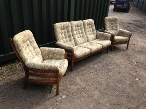 ercol saville sofa retro ercol saville golden dawn suite 2x armchairs 3