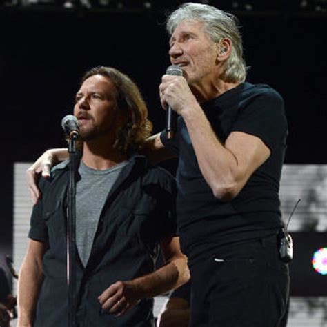 comfortably numb eddie vedder roger waters eddie vedder comfortably numb 12 12 12