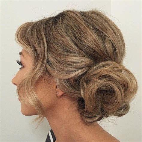 Wedding Hair Side Buns by Best 25 Curly Side Buns Ideas On Wedding Side