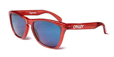 oakley supreme oakley x supreme sunglasses hypebeast