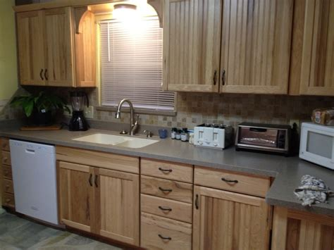 lowes hickory kitchen cabinets hickory cabinet granite countertops dark brown hairs
