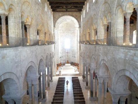 cattedrale di trani interno interno della cattedrale foto di trani bari tripadvisor