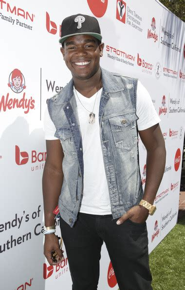 celebrity house challenge dexter darden pictures kickball for a home celebrity