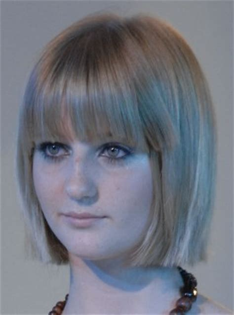 bobs blonde piecy piecy bangs for hair around the shoulders a chinline crop