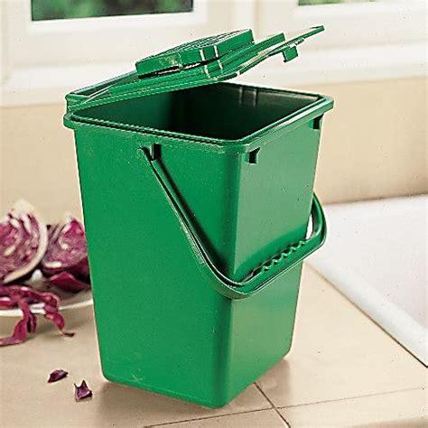 large kitchen compost 2 5 gallon compost bin