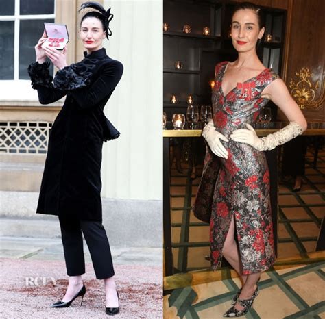 Catwalk To Carpet Erin Oconnor In Marchesa by Erin O Connor Celebrates Receiving Mbe In Giles