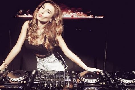 top 10 house music djs top 10 hottest female djs you need to know now