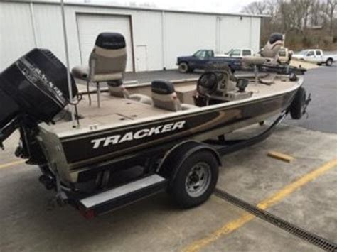 tracker tournament   boats  sale