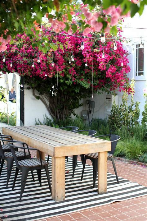 outdoor dining spaces 10 favorite outdoor dining spaces glitter inc glitter inc