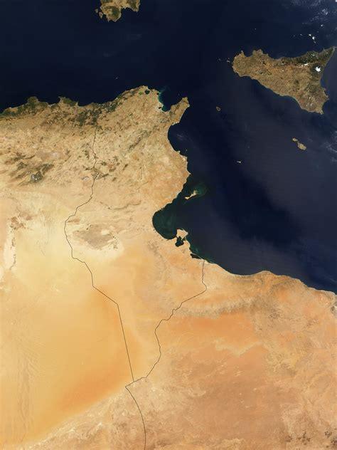 photo image  carte satellite de la tunisie