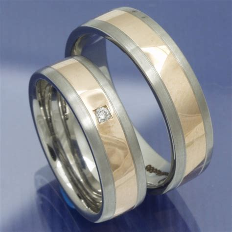 Eheringe Edelstahl Rotgold by Eheringe Shop Gold Und Steel Trauringe Edelstahl Und 585