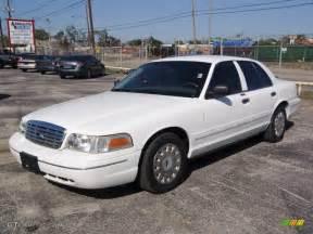 2003 vibrant white ford crown sedan 1533602