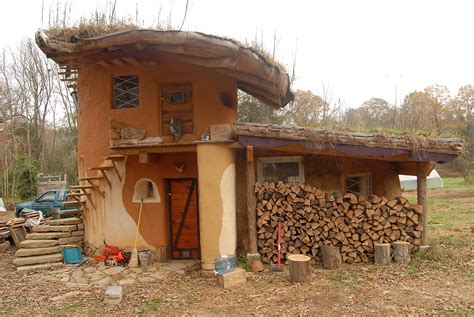 cob house earthen acres cob house mud dauber school of natural building