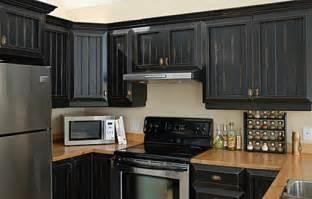 armoire de cuisine en pin a vendre et maintenant la cuisine 224 refaire