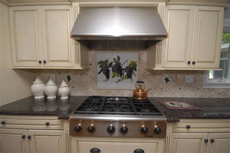 fused and stained glass kitchen backsplash with grapes