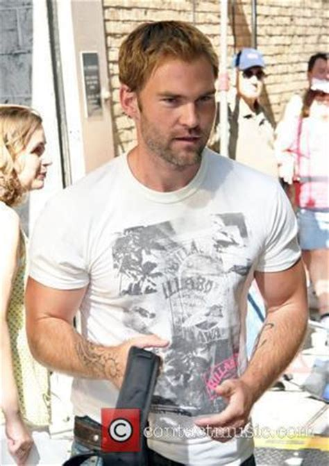 seann william scott tattoos pays tribute to late contactmusic