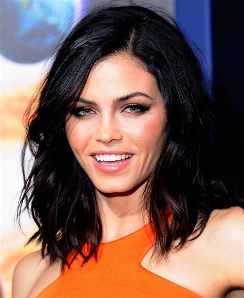 how to style jenna dewans short hair jenna dewan tatum medium wavy cut shoulder length