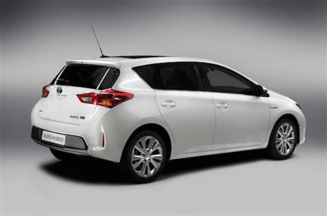 Hatch Toyota 2013 Toyota Auris Hatchback Car Review Top Speed