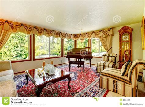 old fashioned living room elegant old fashioned living room stock photos image