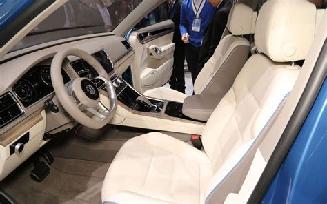 volkswagen concept interior volkswagen chattanooga produces first midsize suv test body