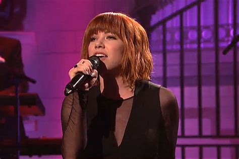 carly rae jepsen snl carly rae jepsen premieres all that on snl debut video