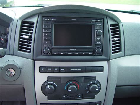Jeep Grand Stereo 2005 Jeep Grand Cherooke Rec Navigation Radio Autos Post