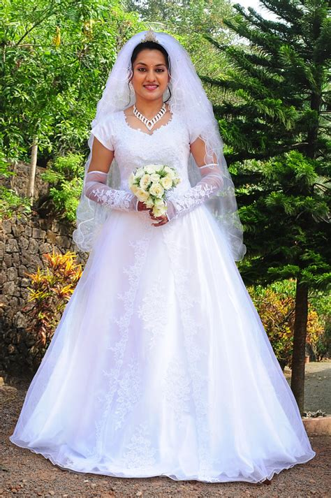 D Aisle Wedding Gowns by Christian Bridal Gowns In Kerala Www Pixshark