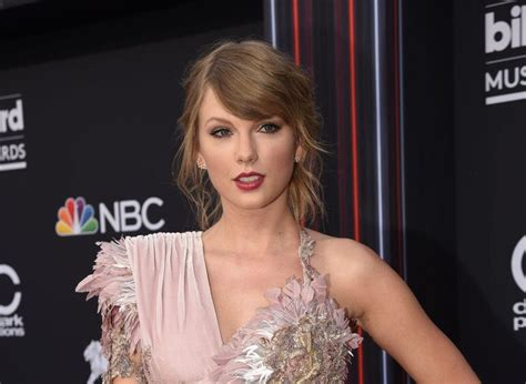 taylor swift delicate number one taylor swift s quot delicate quot reaches 1 at hot adult