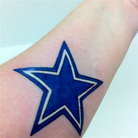 dallas cowboys star tattoo freshly inked dallas cowboys dallas cowboys